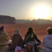 Méditation dans le désert marocain